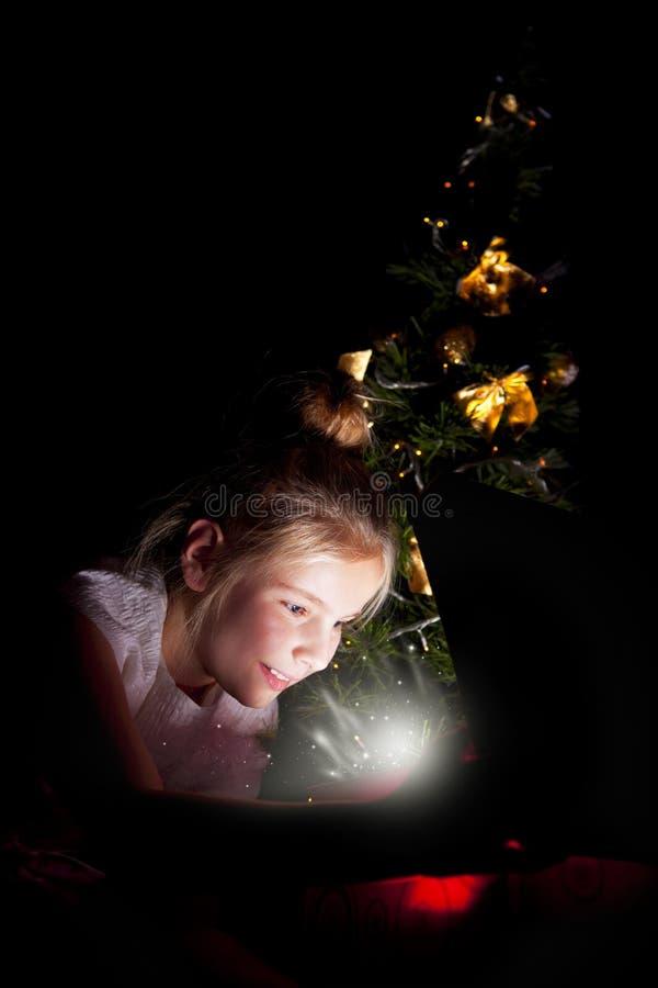 barngyckel som har kök fotografering för bildbyråer