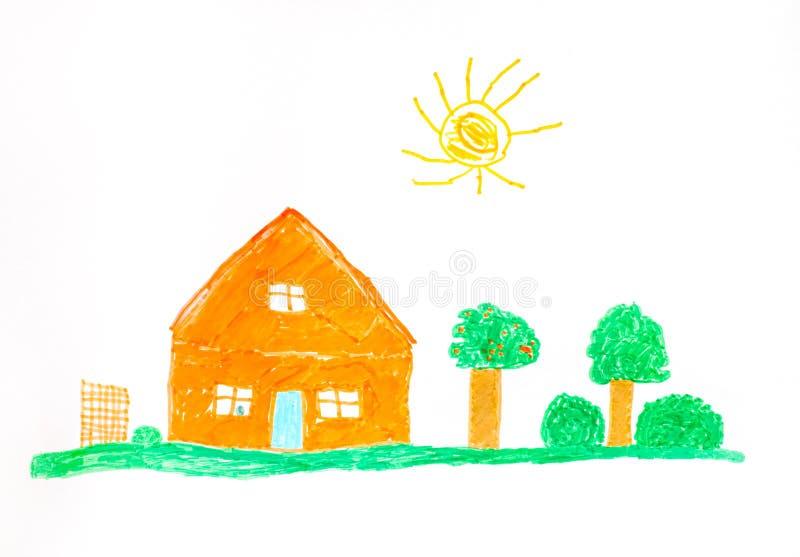 Barnhandteckning Orange hus, fruktträd, grönt gräs och s royaltyfri bild