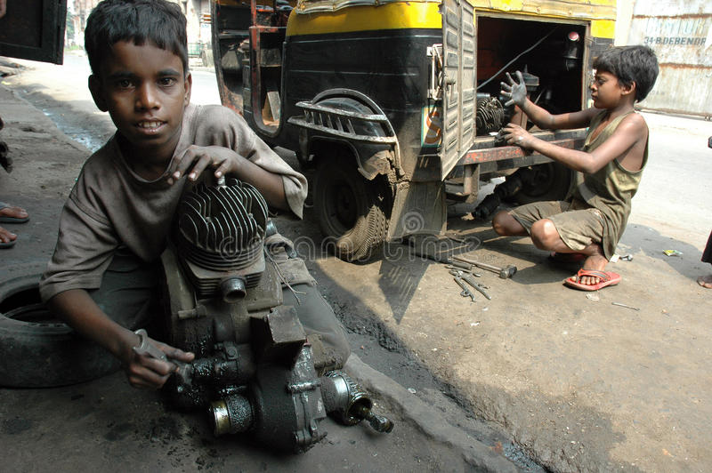 barnindia arbete arkivfoton