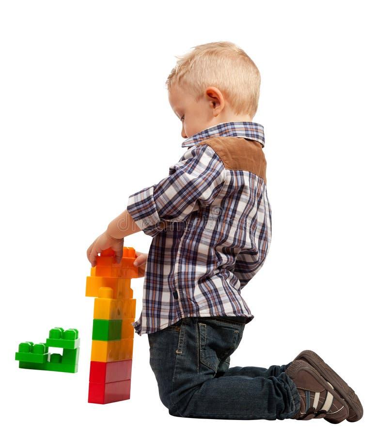 Barnlek med konstruktion arkivbild