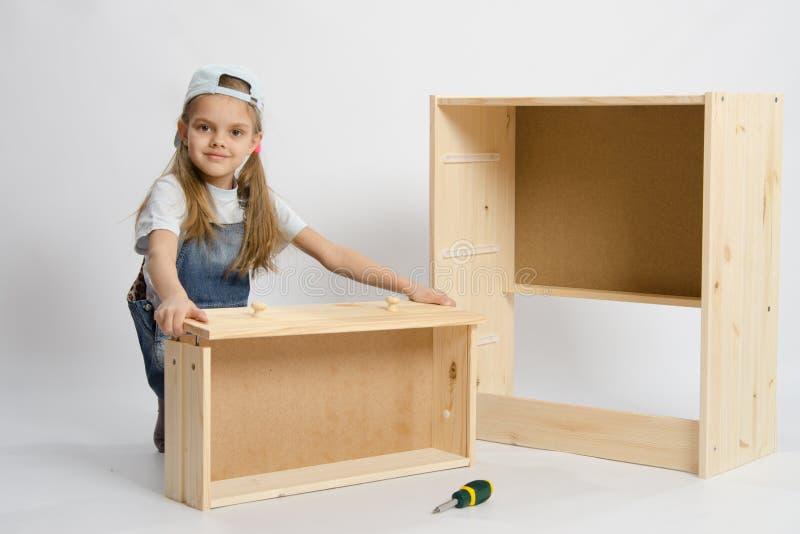 Barnlekar i byggmästaremöblemanget fotografering för bildbyråer