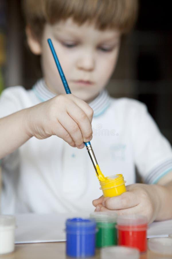 Barnmålning royaltyfria bilder