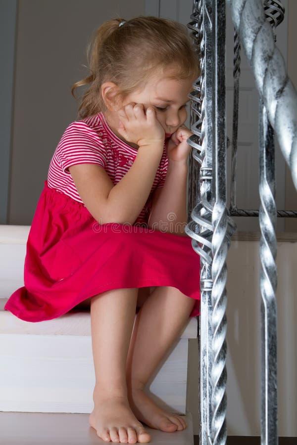 Barnsorgsenhettrappuppgång royaltyfria bilder