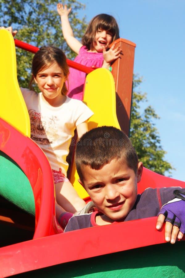 Barnspelrum i lekplatsen arkivbilder