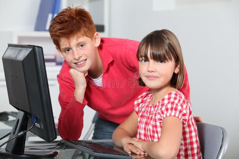 barnutbildning s arkivfoton