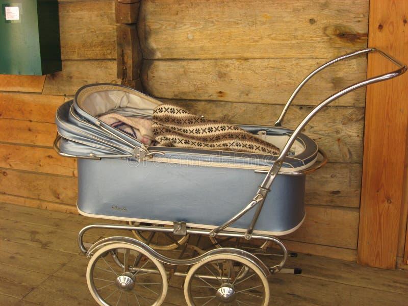 barnvagn royaltyfri fotografi