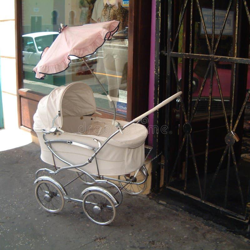 Barnvagn i uddestad royaltyfria foton