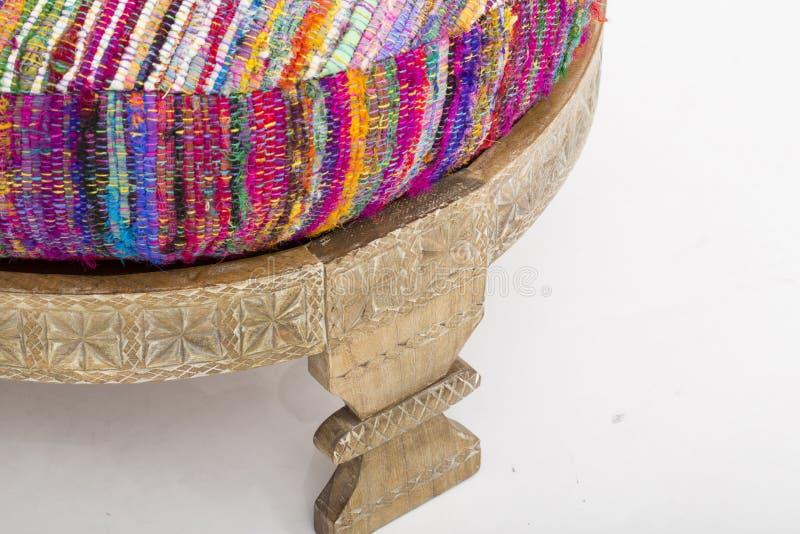 Barnwell Ottoman, polyester a rempli l?g?res variations de couleur, Layla Ottoman, paon, tabouret en soie fait main, Ottoman en s photographie stock