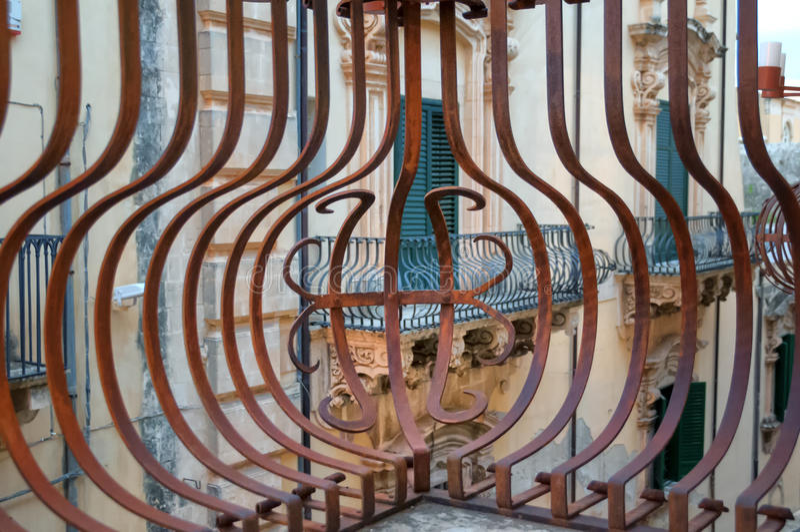 Barock balkong av Noto, Sicilien, Italien arkivbilder