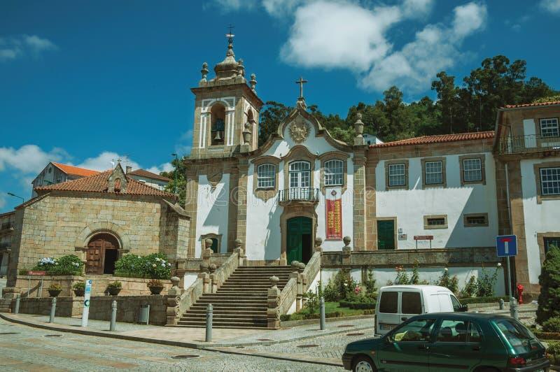 Barock kyrka som är främst av fyrkant arkivbilder