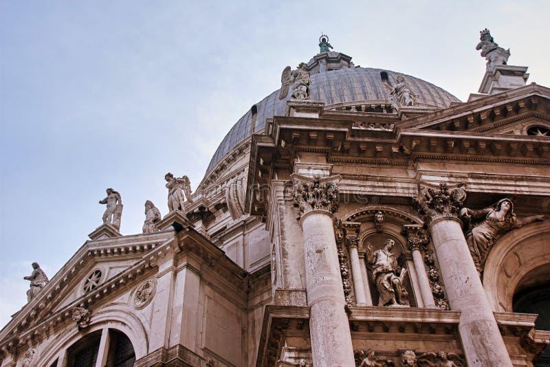 Barock kyrkliga Santa Maria della Salute, fasad, Venedig, Italien royaltyfri foto