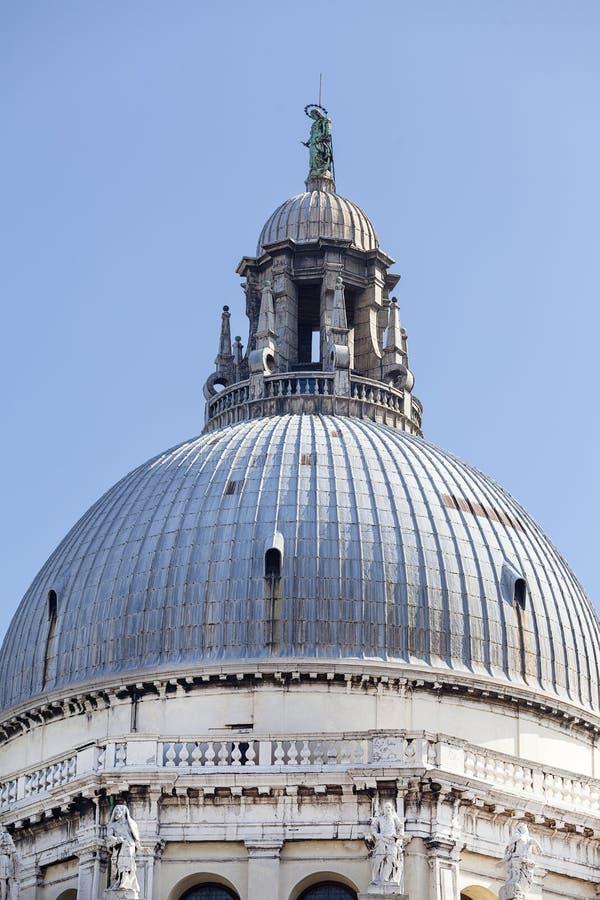 Barock kyrkliga Santa Maria della Salute, kupol, Venedig, Italien arkivfoton