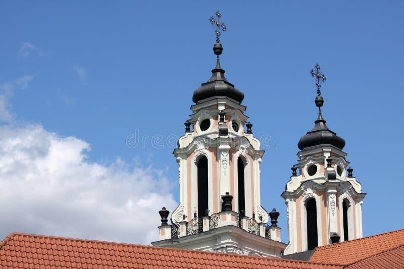 Barocka kyrkliga torn royaltyfria foton