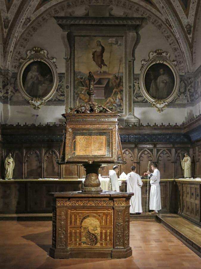 Barocker Innenraum der Abtei von Monte Oliveto Maggiore ist ein großes Benediktinerkloster in der italienischen Region von Toskan stockbild