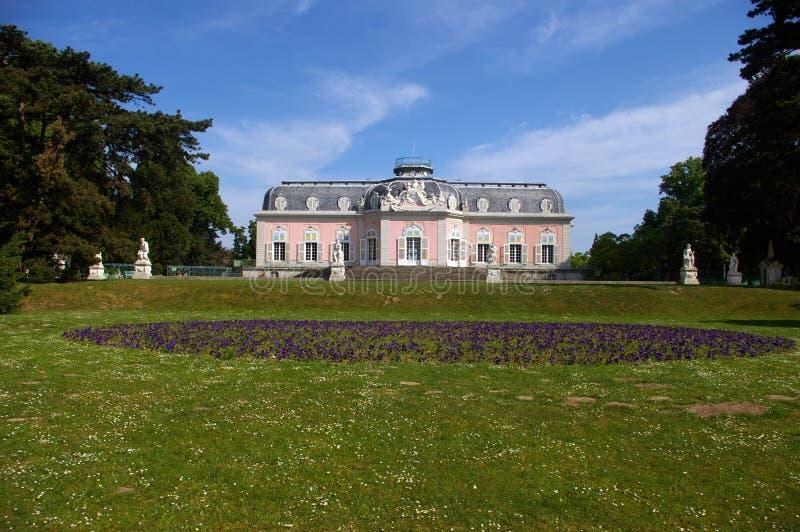 Barok roze kasteel royalty-vrije stock fotografie