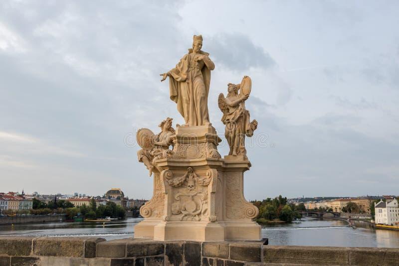 Barokowe statuy w Praga obraz stock