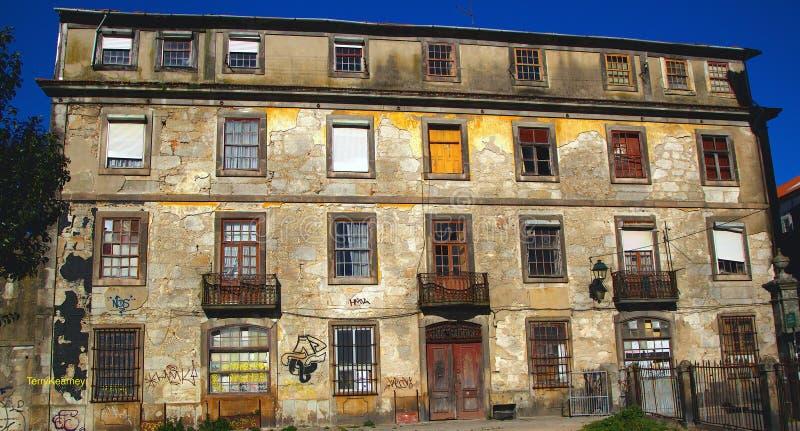 Barokowy Budynek Na Rzecznym Douro Portugalia Bezpłatna Domena Publiczna Cc0 Obraz