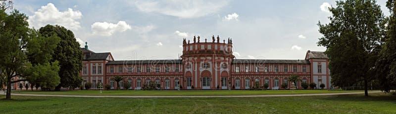 Barokowy pałac na bankach Rhine Wiesbaden rzeczny biebrich Germany fotografia royalty free