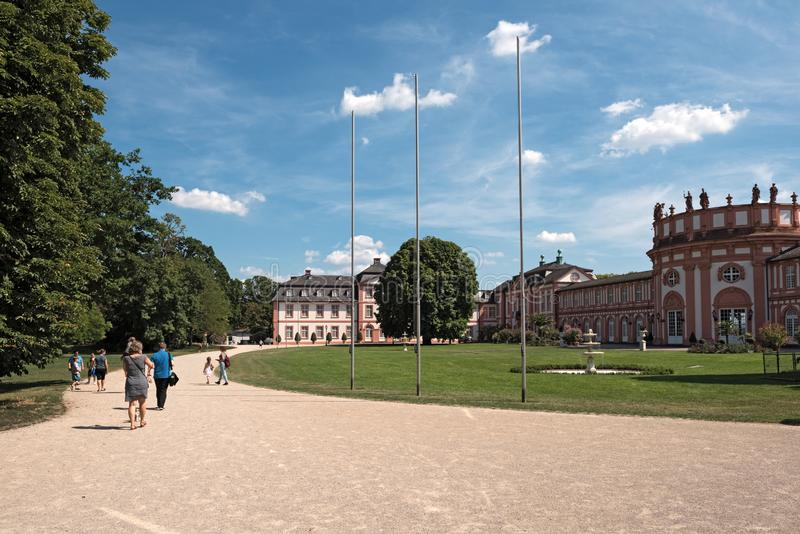Barokowy pałac na bankach Rhine Wiesbaden rzeczny biebrich Germany fotografia stock