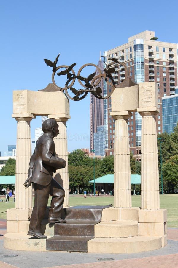Baron Pierre de Coubertin Statue immagine stock