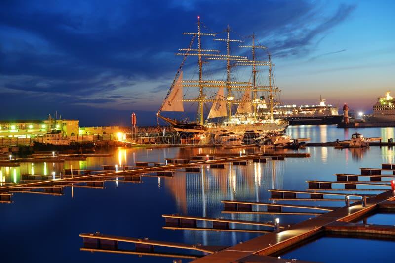 Barque Krusenstern dans le port de Sotchi photos stock