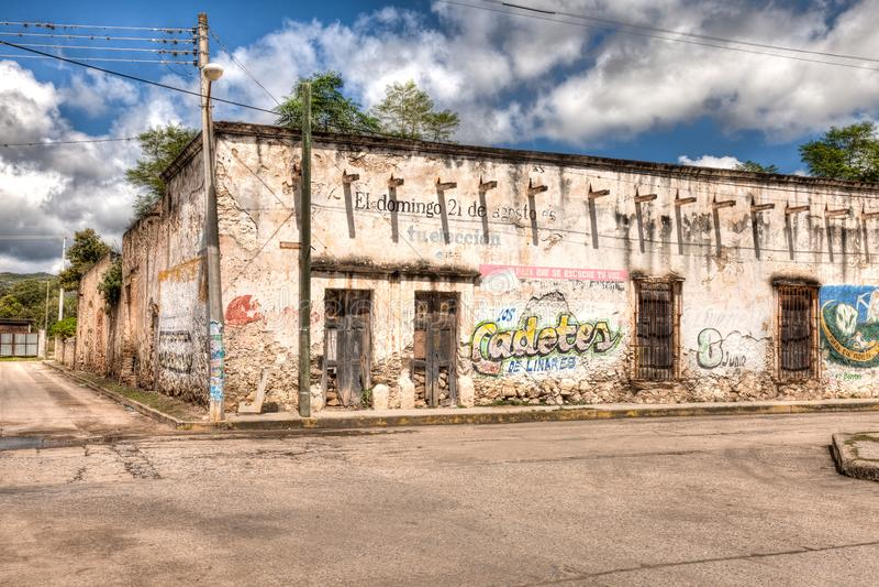 Barra agora defunto na cidade de Guadalcazar, México fotografia de stock