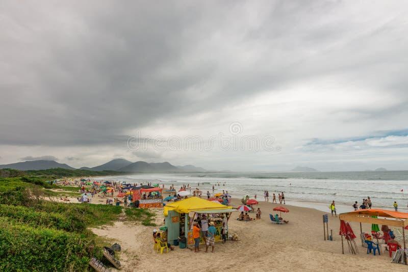 Barra Beach in florianopoliseiland in Zuid-Brazilië stock afbeelding