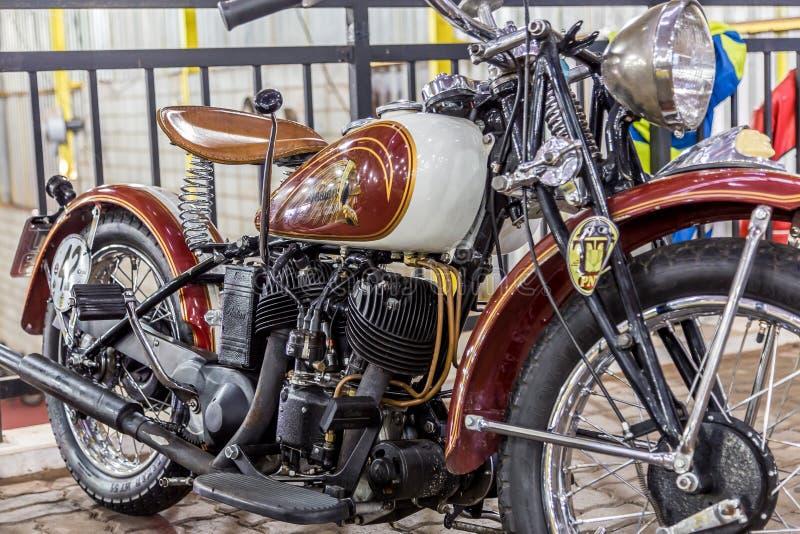 BARRA BONITA, БРАЗИЛИЯ - 17-ОЕ ИЮНЯ 2017: Винтажный индийский мотоцикл стоковые фото