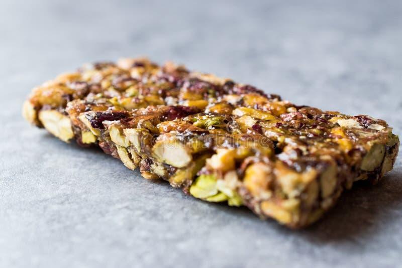 Barra de amendoim orgânica com Honey No Glucose fotografia de stock royalty free