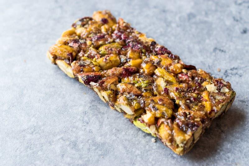 Barra de amendoim orgânica com Honey No Glucose imagens de stock royalty free