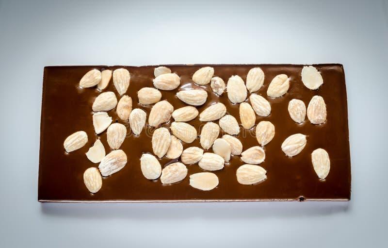 Download Barra De Chocolate De Lujo Con Las Almendras Enteras Foto de archivo - Imagen de caramelo, alimento: 41908810