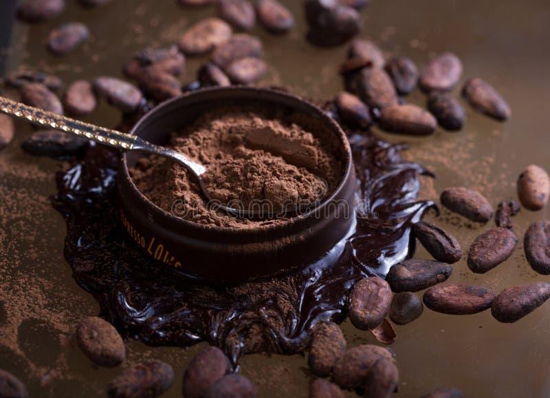 Barra de chocolate no fundo escuro Vista superior fotografia de stock royalty free