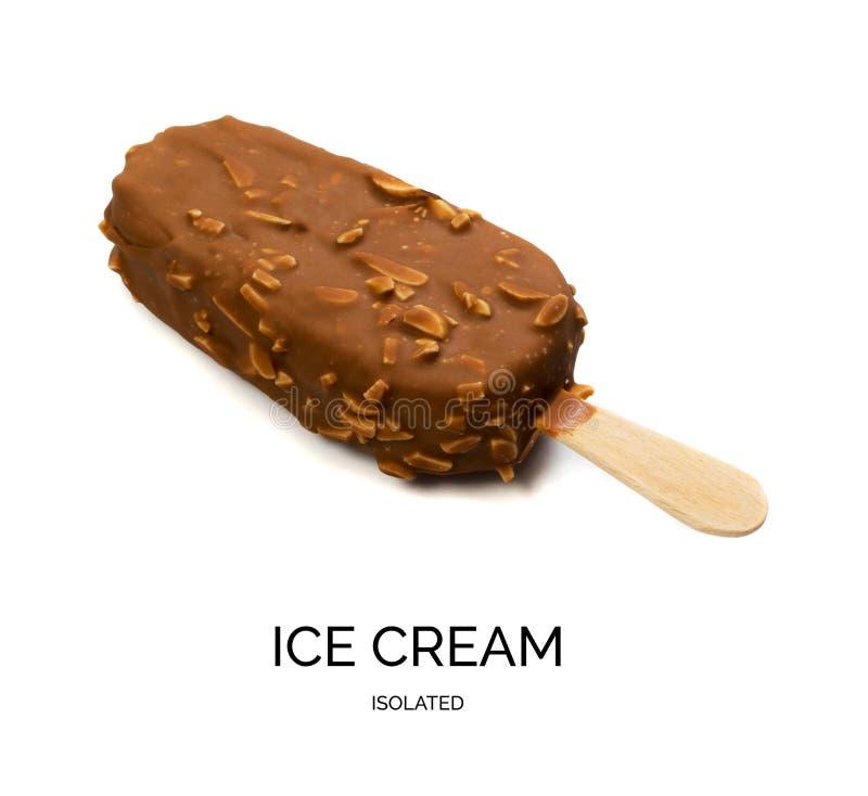 Barra de gelado do picolé da amêndoa do chocolate isolada fotos de stock royalty free