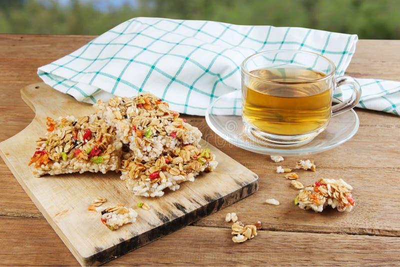 Barra de granola curruscante de los granos foto de archivo libre de regalías