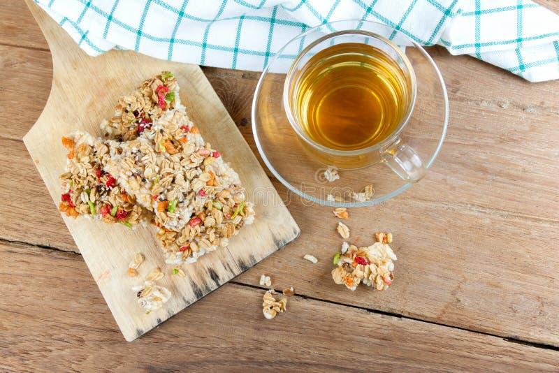 Barra de granola curruscante de los granos fotos de archivo libres de regalías