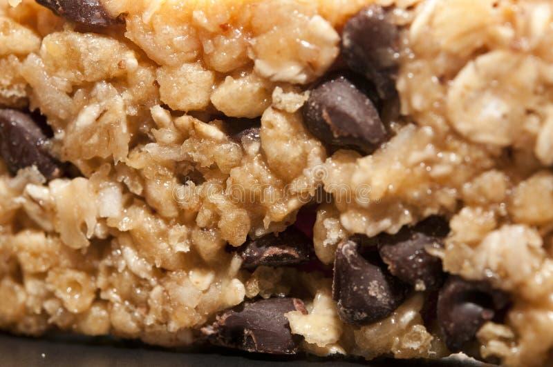 Barra de granola da microplaqueta de chocolate fotos de stock