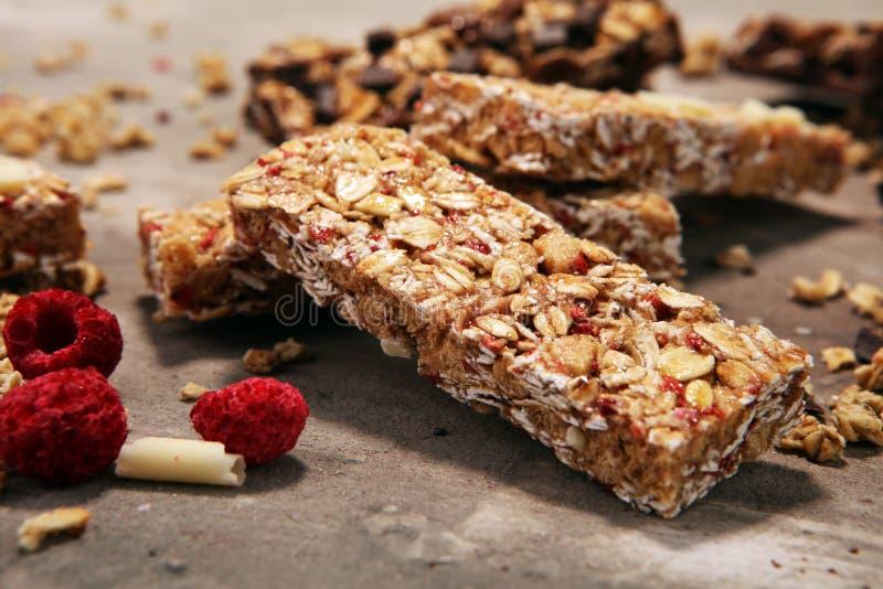 Barra de Granola Petisco doce saudável da sobremesa Sagacidade da barra de granola do cereal fotos de stock