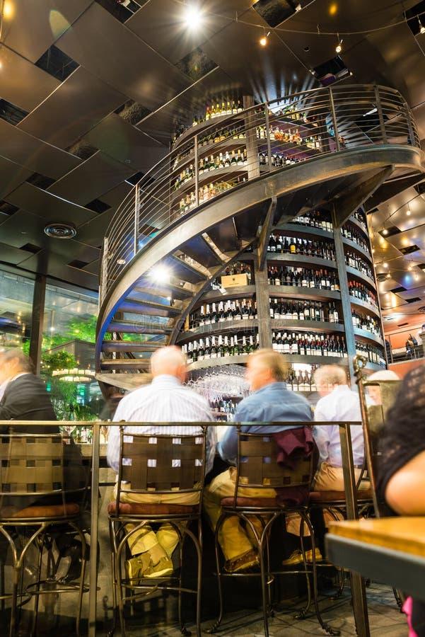Barra de vinho da coluna fotos de stock royalty free