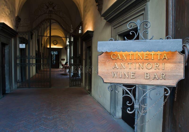 Barra de vinho Florença de Cantinetta Antinori imagens de stock royalty free