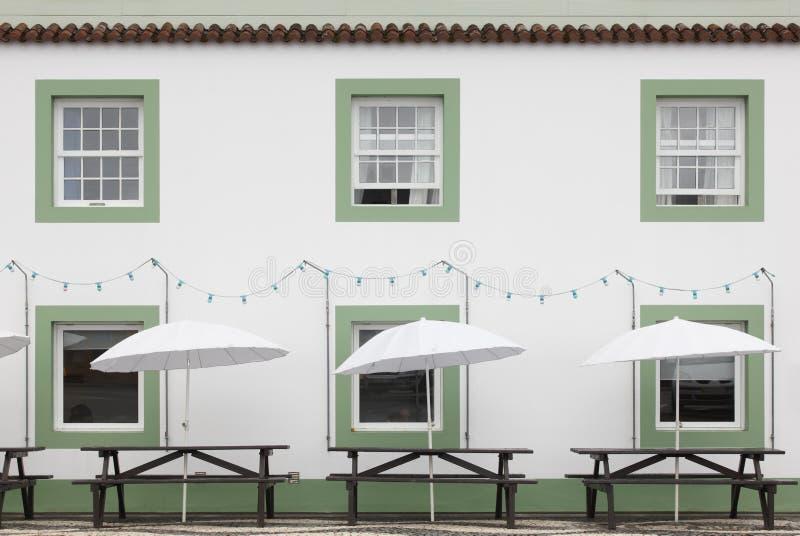 Barra del terrazzo sulla via nell'isola di Pico azores portugal immagine stock libera da diritti