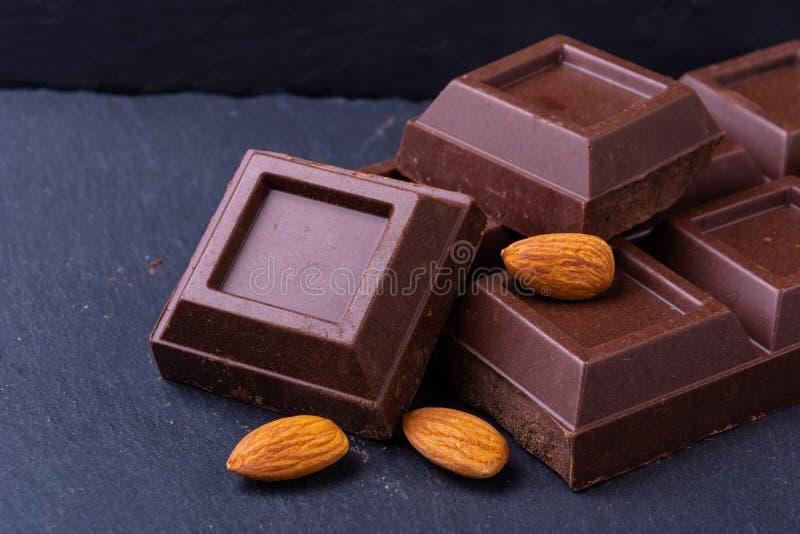 Barra di cioccolato rotta fotografie stock