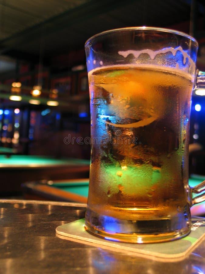 Barra e birra del raggruppamento fotografia stock libera da diritti