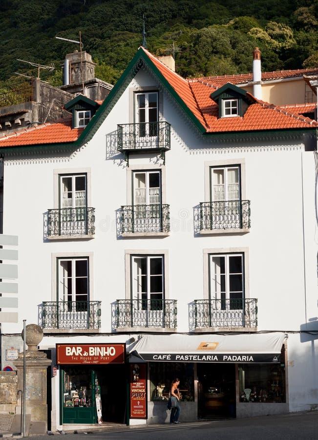 Barra e café tradicionais de vinho em Sintra, Portugal fotografia de stock