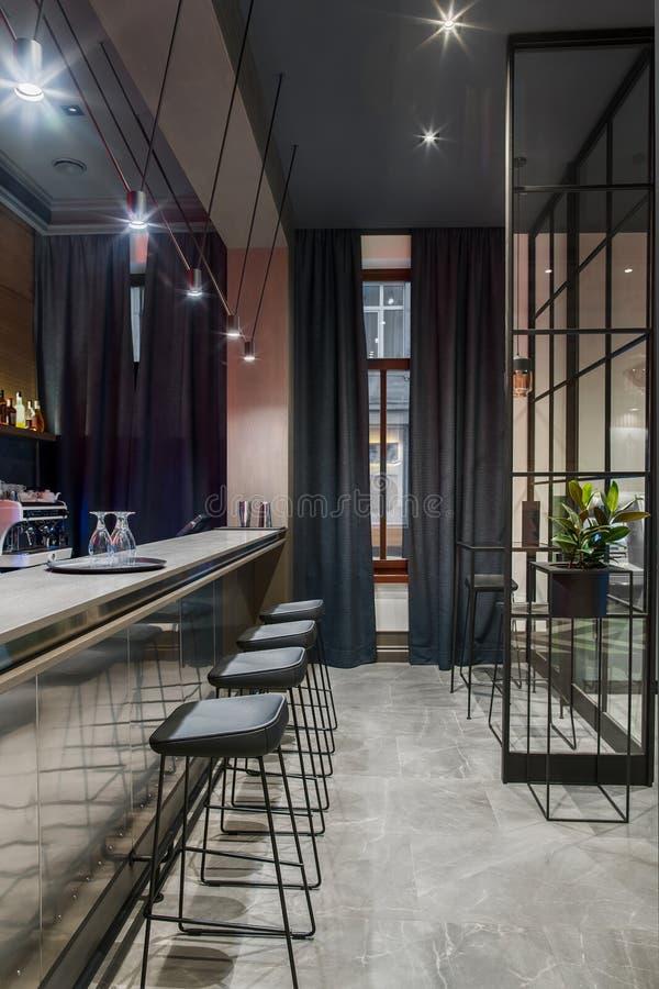 Barra elegante en hotel imagenes de archivo