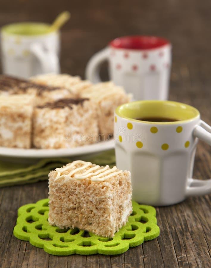 Barra friável da sobremesa do arroz do marshmallow com chocolate foto de stock