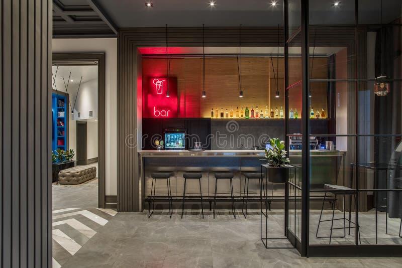 Barra luminosa en hotel imagen de archivo libre de regalías