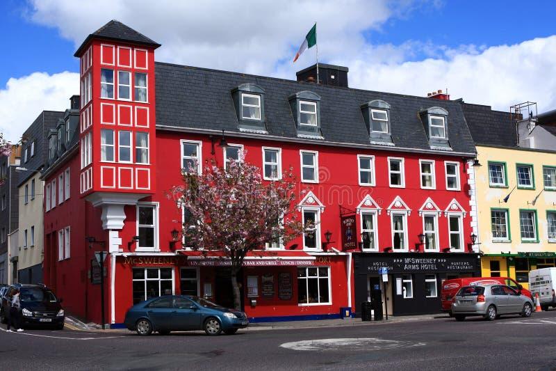 Barra pintada rojo en Killarney, condado Kerry, Irlanda fotos de archivo