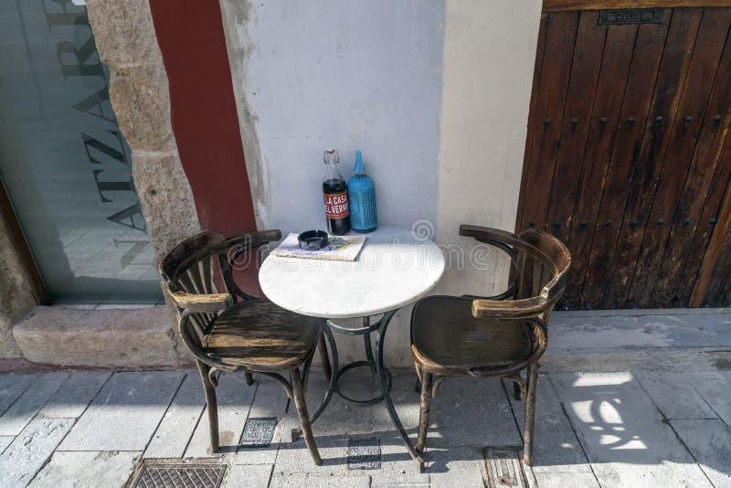 Barra Tarragona aperitive da tabela do terraço fotos de stock