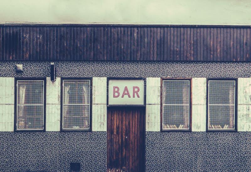 Barra urbana sucia retra imagen de archivo