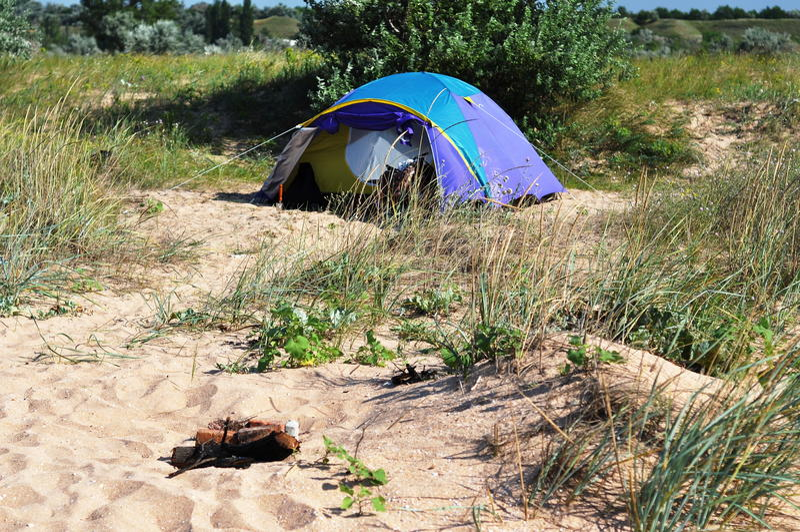 Barraca de acampamento na praia imagens de stock royalty free